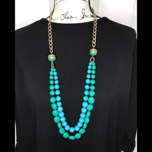 Beautiful turquoise colored beaded necklace!